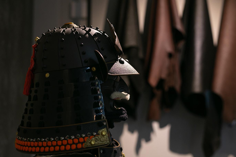 黒桟革 型押し 黒